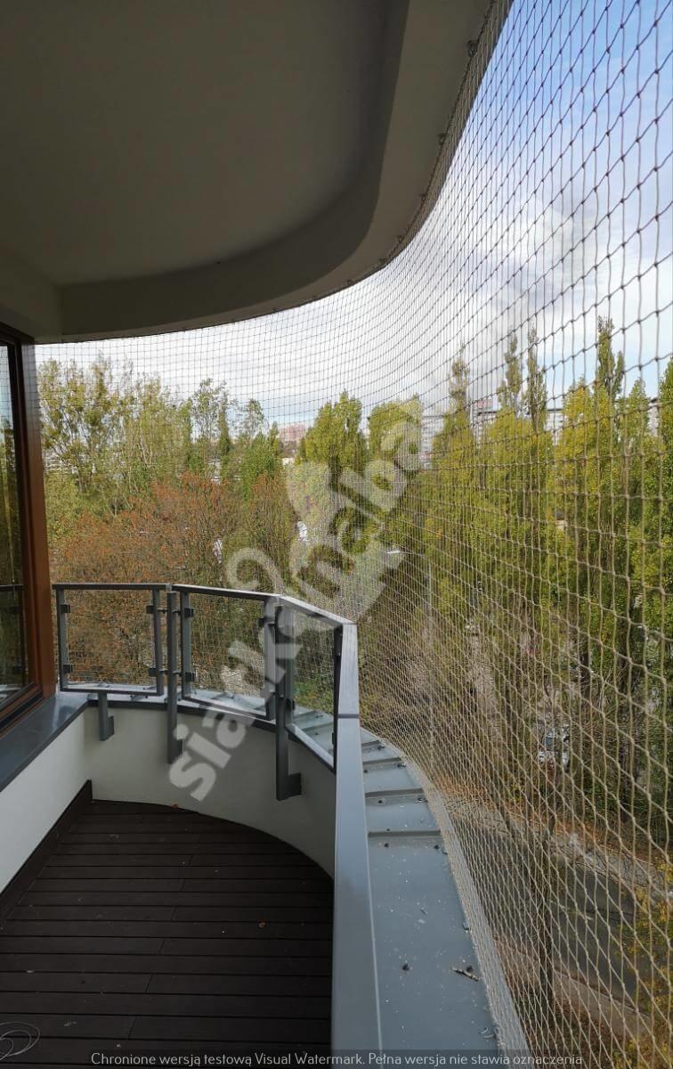 siatka-na-balkon-balkon-polokragly (3)