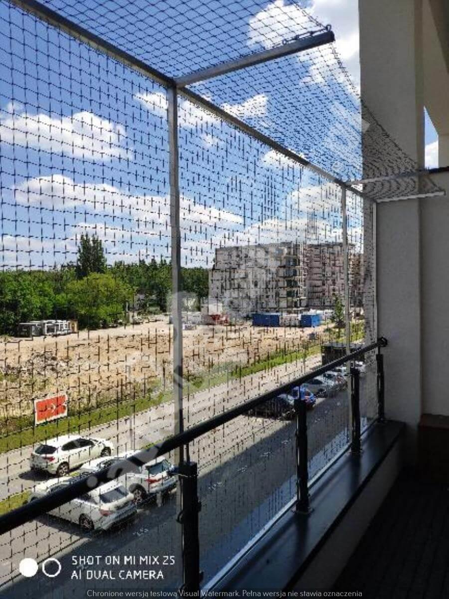 siatka-na-balkon-montaz-bezinwazyjny (2)