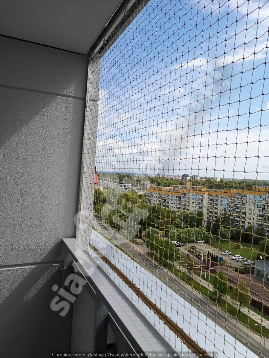 siatka-na-balkon-montaz-bezinwazyjny (6)