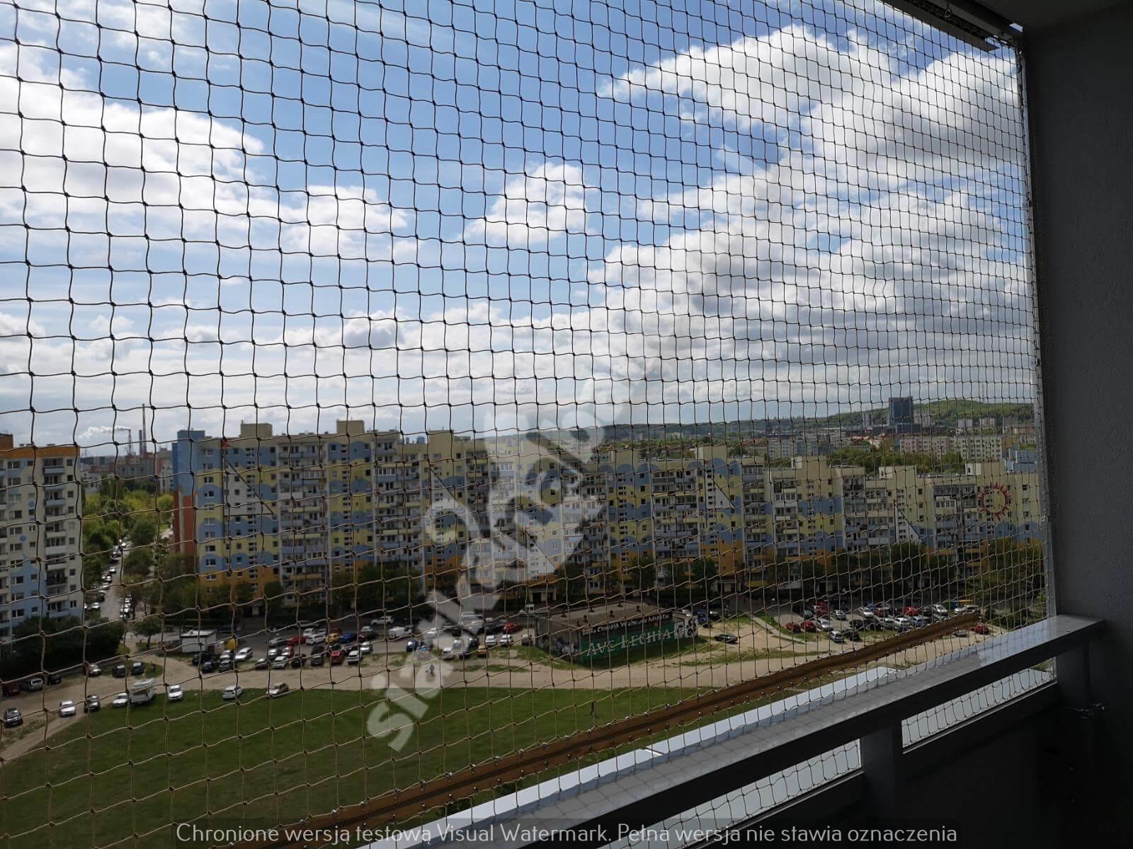 siatka-na-balkon-montaz-bezinwazyjny (8)