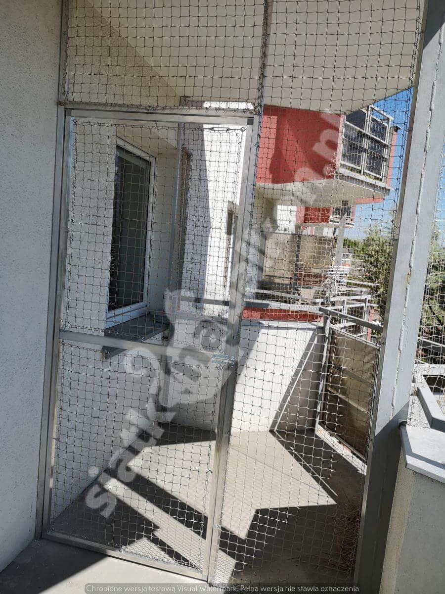siatka-na-balkon-montaz-polinwazyjny-2