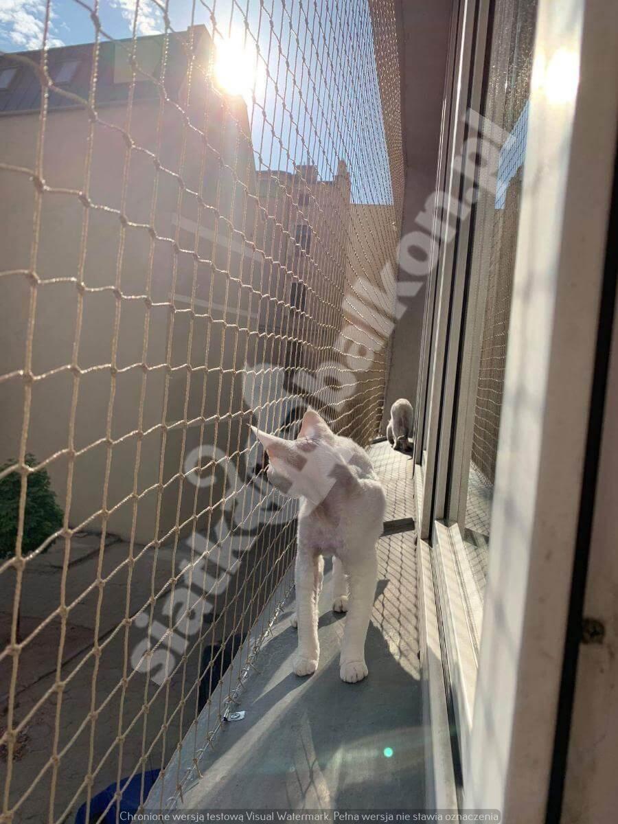 siatka-na-balkon-samo-okno (2)