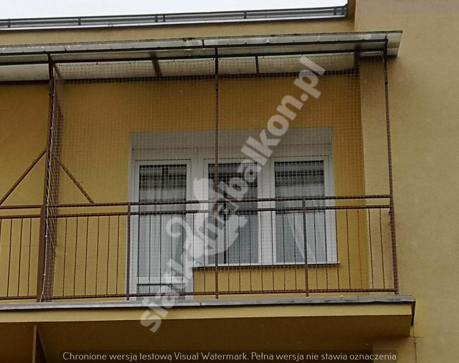 siatka-na-balkon-wystajacy-z-daszkiem (2)