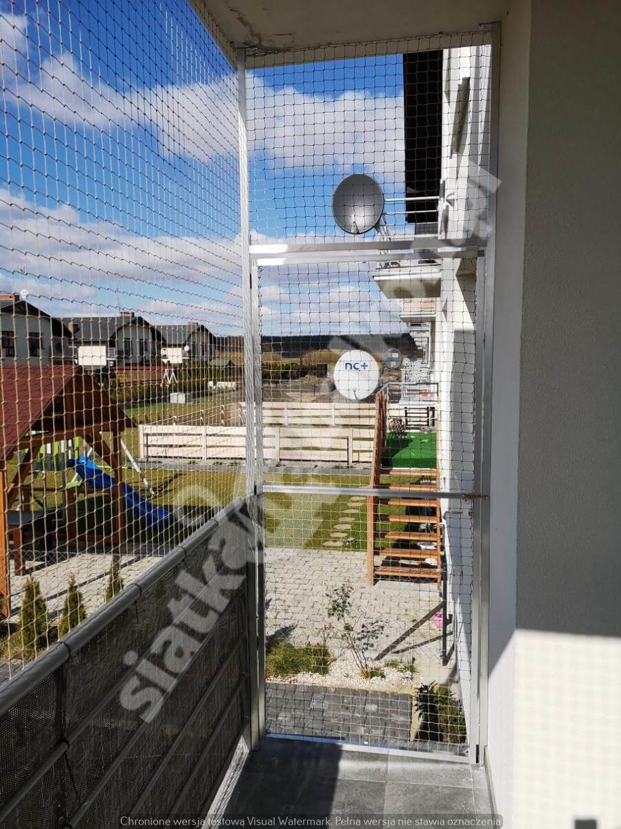 siatka-na-balkon-z-drzwiami (1)