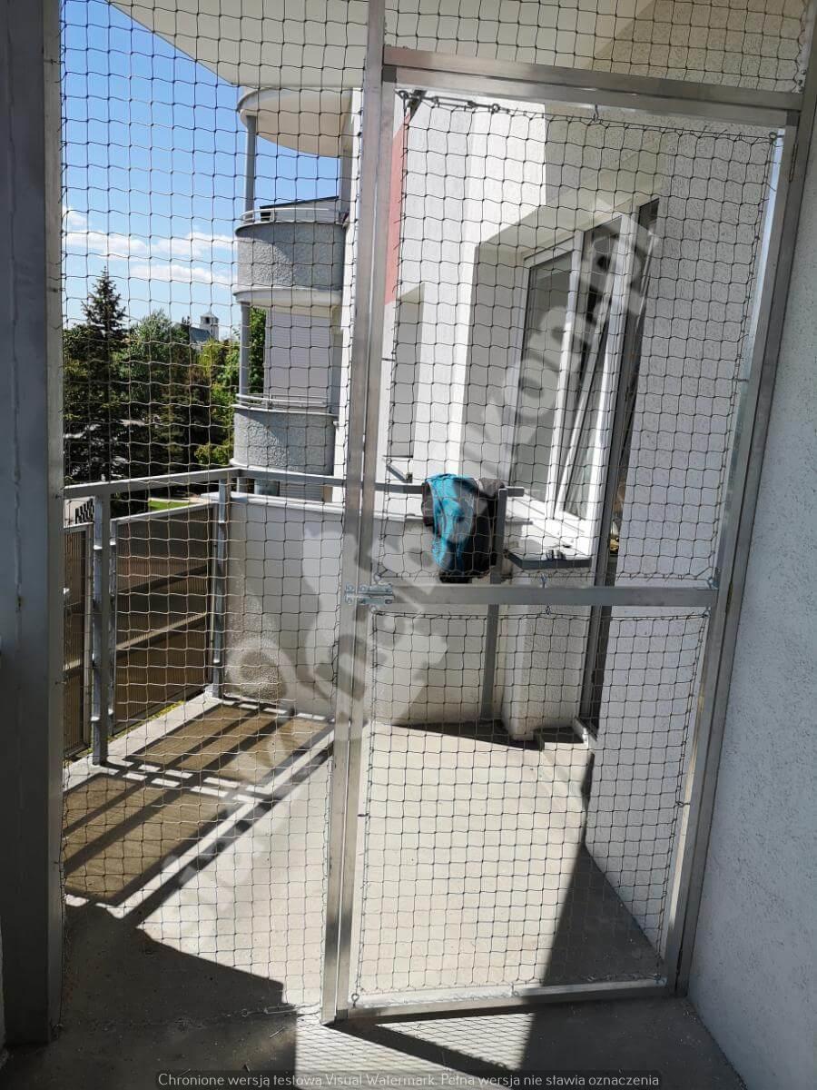 siatka-na-balkon-z-drzwiami (4)