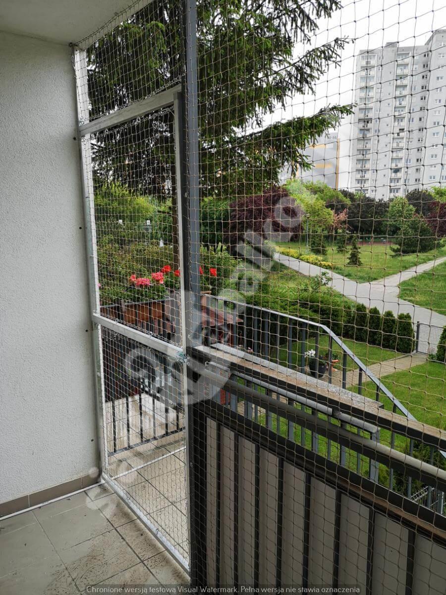 siatka-na-balkon-z-drzwiami (5)